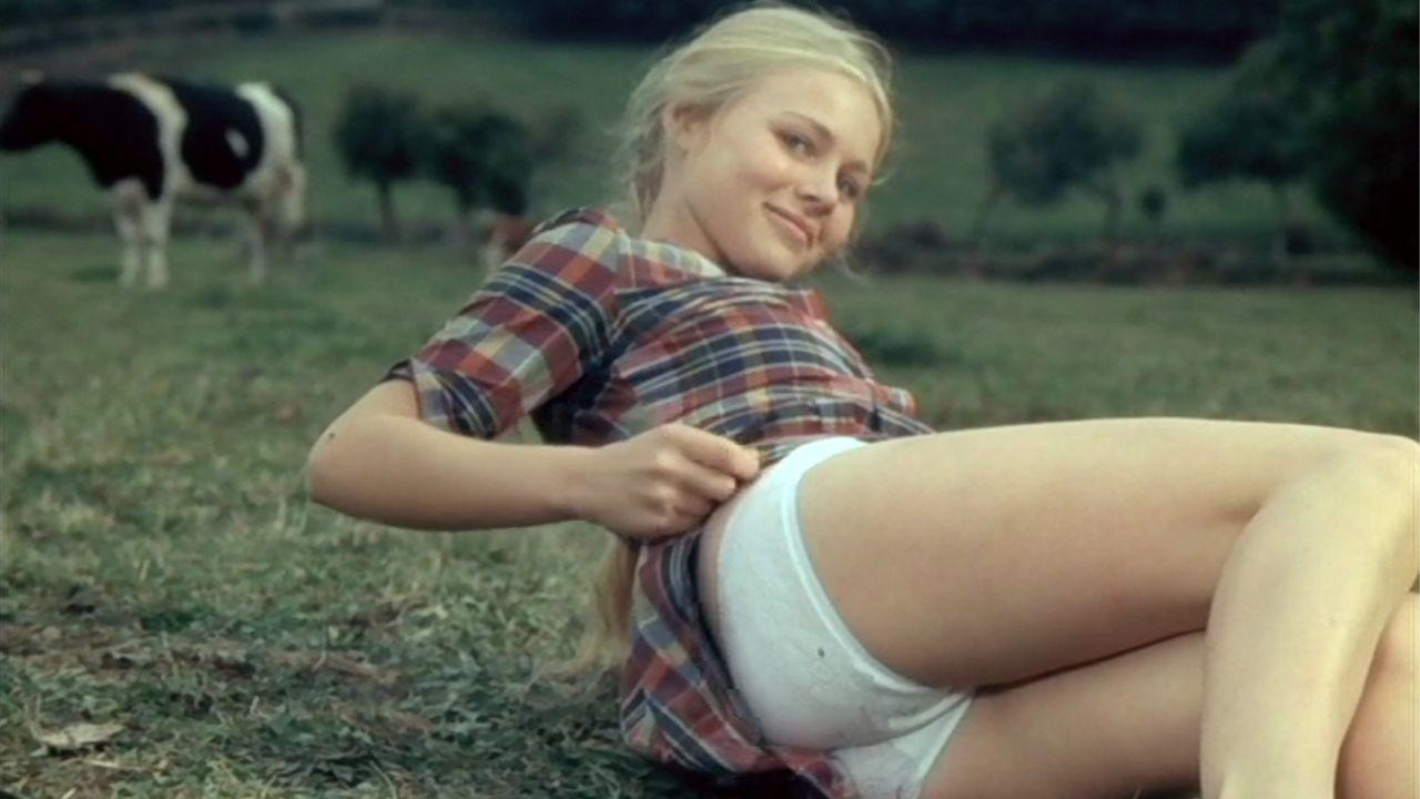 Teen sucks off blonde buddy factory movie scene